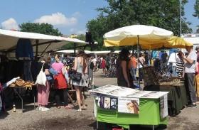 Berlin: Mauerpark Flohmarkt / Flea market