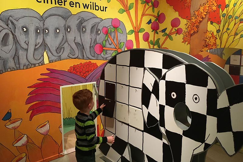 FlipFlopGlobetrotters.com - Blog: Children's Book Museum The Hague - Elmer the patchwork elephant