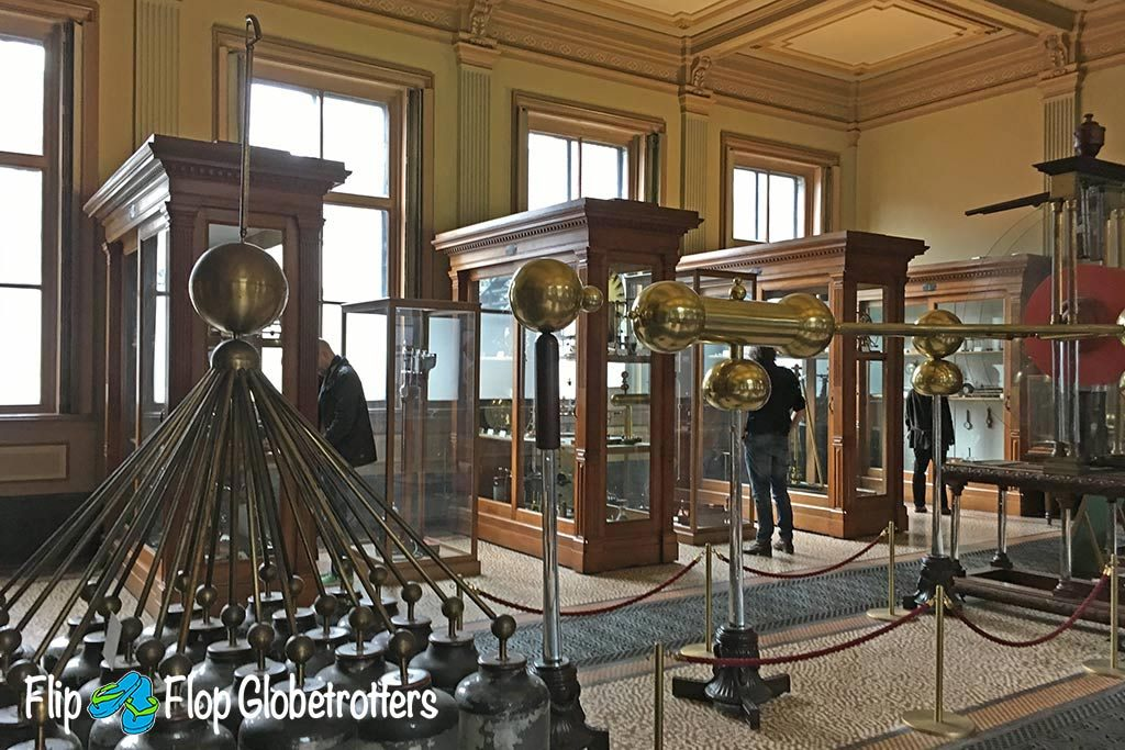 FlipFlopGlobetrotters.com - Blog: Teylers Museum Haarlem - huge collection of strange ancient instruments