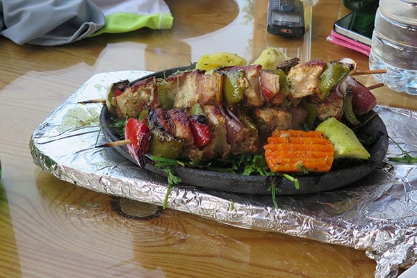 FlipFlopGlobetrotters.com - Best places to eat in Dahab, Egypt - Shish tawook
