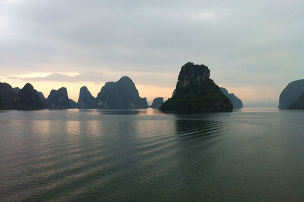 FlipFlopGlobetrotters.com - Halong Bay experience