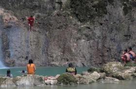 A visit to Kawasan Falls