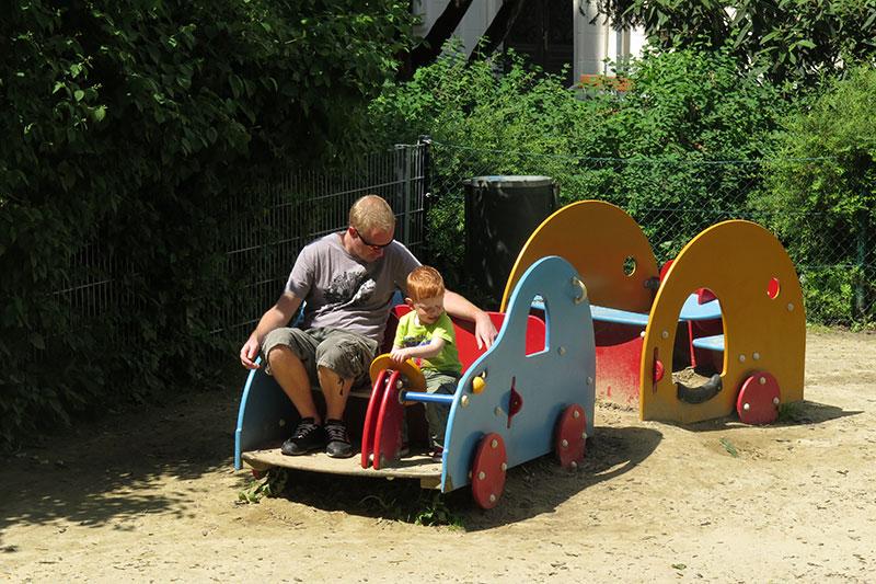 FlipFlopGlobetrotters - visiting Vienna - Johan Strauss Park
