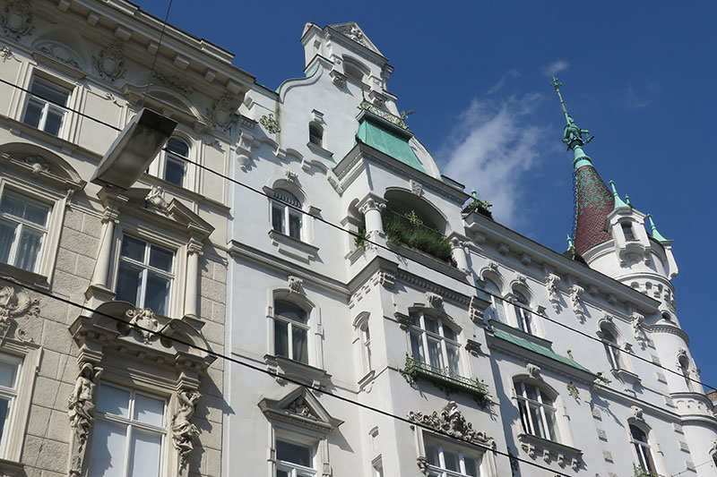 FlipFlopGlobetrotters - visiting Vienna - Beautiful old buildings