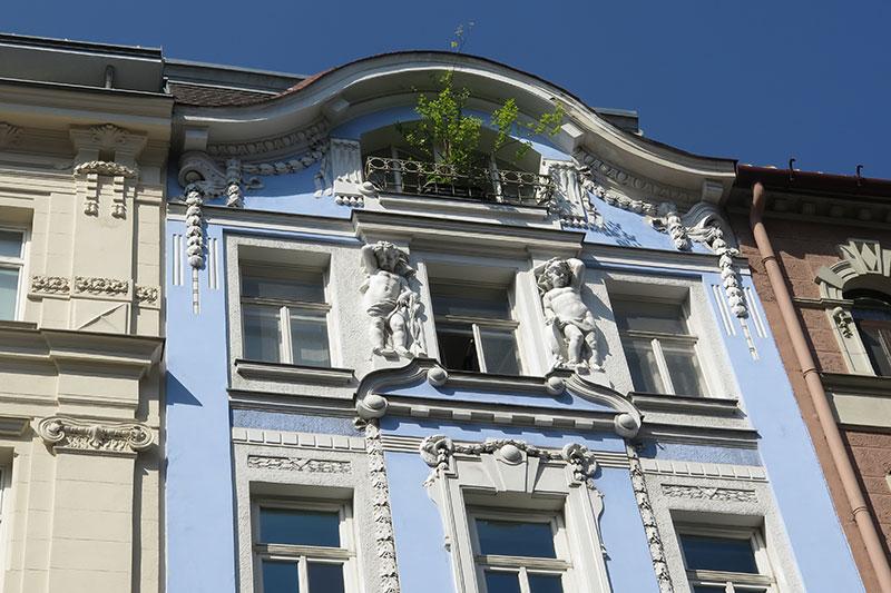 FlipFlopGlobetrotters - visiting Vienna - Beautiful old buildings