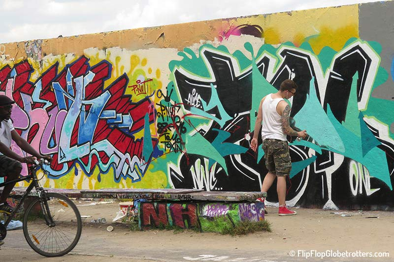 FlipFlopGlobetrotters.com - Mauerpark Flohmarkt / Mauerpark Flea Market