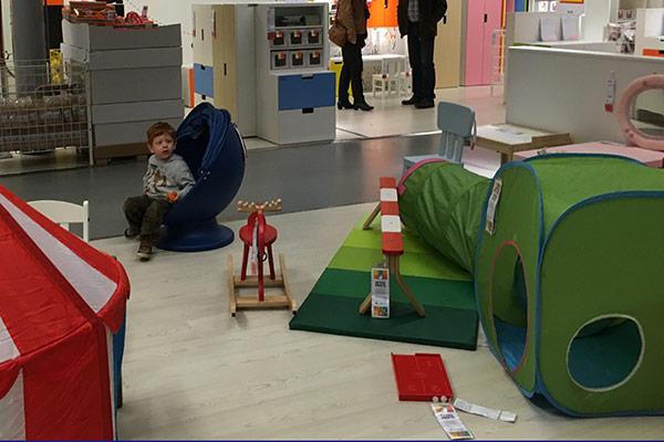 FlipFlopGlobetrotters.com - kid friendly restaurants in Haarlem - Ikea kids area