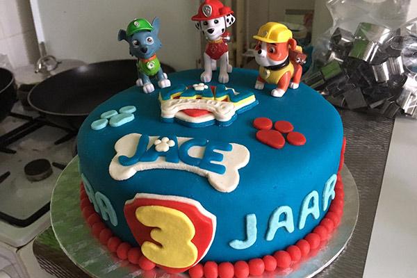 FlipFlopGlobetrotters.com - Paw Patrol birthday cake