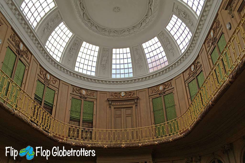 FlipFlopGlobetrotters.com - Blog: Teylers Museum Haarlem - The Oval Room