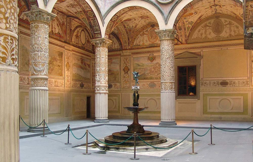 FlipFlopGlobetrotters.com - favorite kids museums worldwide - Piazza Vecchio Florence, Italy
