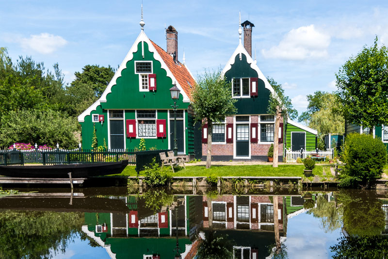 FlipFlopGlobetrotters.com - Things to do in Zaandam with kids - typical Dutch houses at Zaanse Schans