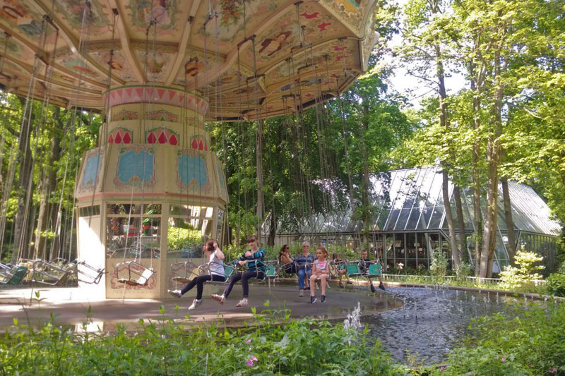 FlipFlopGlobetrotters.com - Things to do in Wassenaar with kids - carousel Duinrell