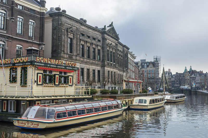 FlipFlopGlobetrotters.com - Things to do in Amsterdam with kids - canal cruise boat