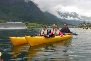 Ultimate family travel blog list - Itchy Feet Travel