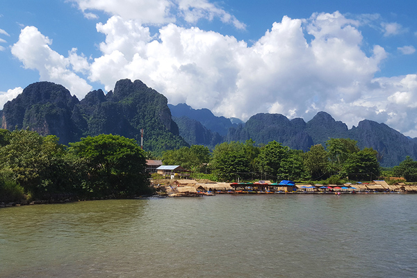 FlipFlopGlobetrotters - best family holiday destinations in Asia - Vang Vieng Laos