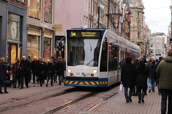 FlipFlopGlobetrotters.com - Amsterdam with kids - Amsterdam tram