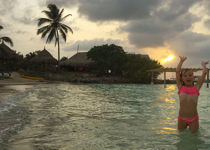 FlipFlopGlobetrotters - Best of Central and South America with kids - Isla Mucara Colombia with kids