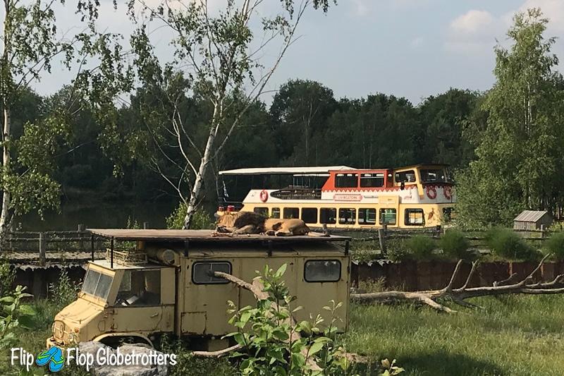 FlipFlopGlobetrotters - Beekse Bergen safari boat